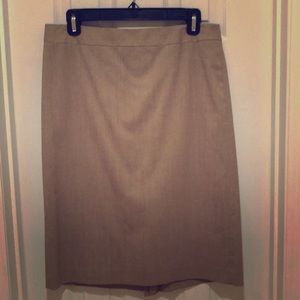 Banana Republic khaki pencil skirt Sz 6